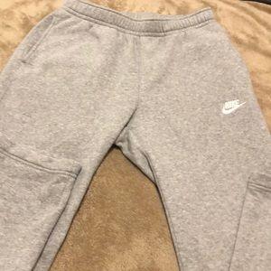 Nike men's NWOT sweat pants size medium gray